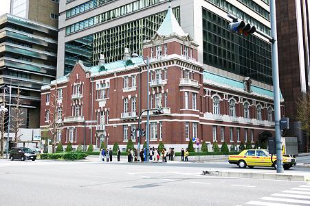 2010.04.03 丸の内 東京銀行協会