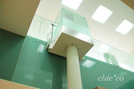 透明な油圧式エレベーター