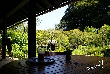 風が抜けるテーブル・・東慶寺