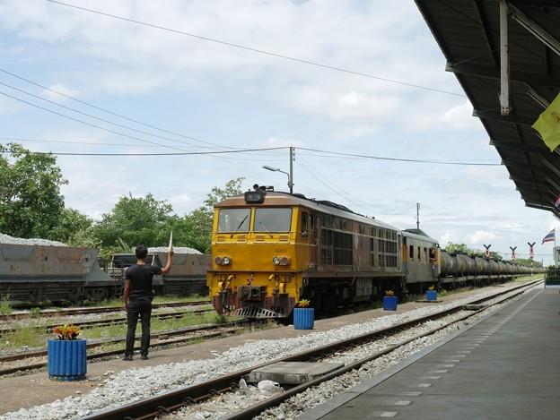 085 東本線の貨物列車 タイ国鉄、AHK.4201