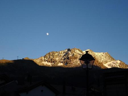 160716-25サンモリッツの月