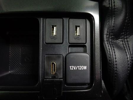 プラド USB/HDMI取付