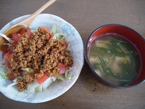 豆腐のタコライス風