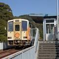 写真: 阿佐海岸鉄道ASA-300形&甲浦駅