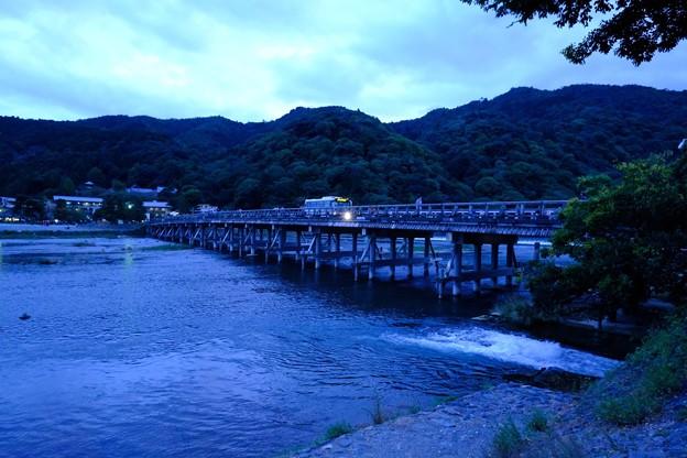 京都の秋色 渡月橋の夕暮れ