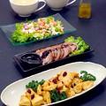 今晩は、タンドリーチキン、焼き豚、コリコリサラダ、冬野菜のすり流し、ご飯