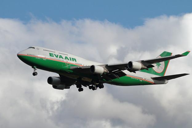 B747-400 B-16411 EVA Air