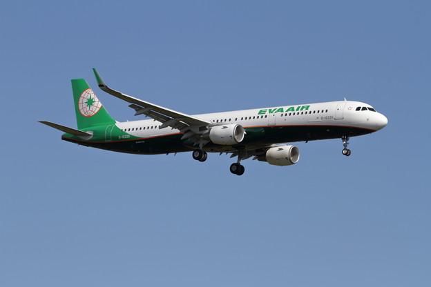 A321 B-16226 EVA Air