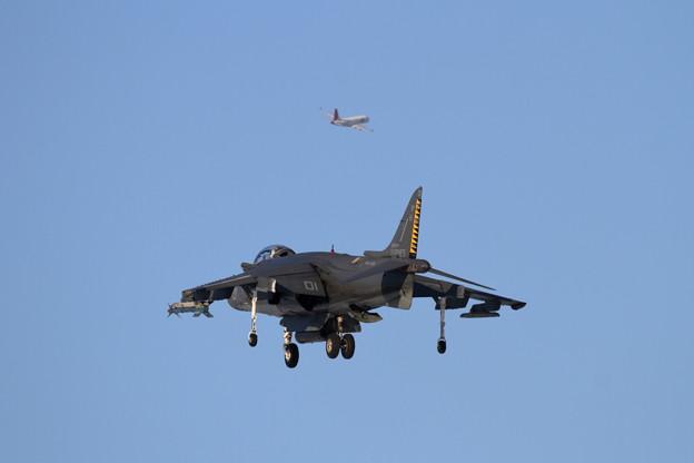 AV-8B WH-01 approach