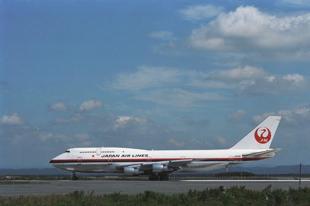 B747-346SR JA8186 JAL CTS Rwy36R 1990夏