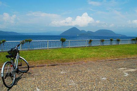 自転車と洞爺湖