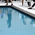 Photos: 初夏のプールサイド