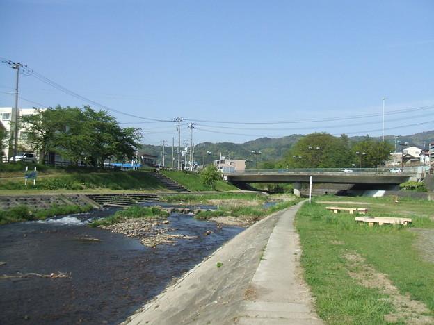 湯川河畔と小田橋