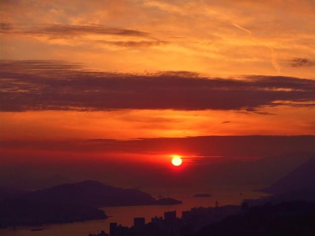 師走の瀬戸の夕陽 in 瑠璃山展望台