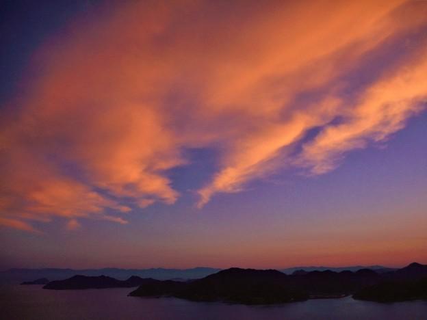 遥か遠くに 四国連山の観える日の 燧灘の夕暮れ