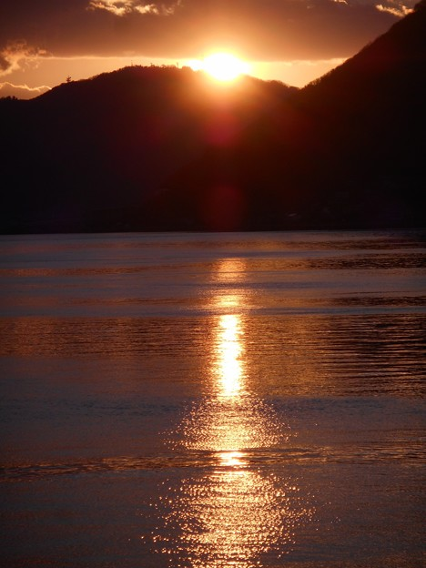 筆影山の瀬戸の夕陽