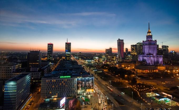 夜のワルシャワ