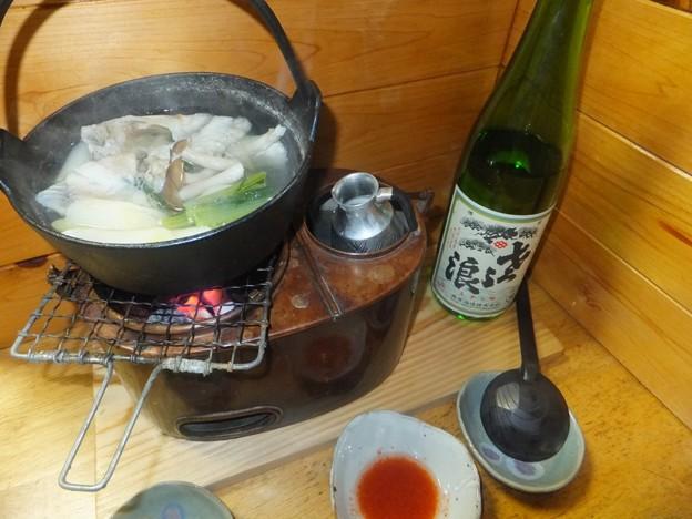ふぐ鍋 酒は琵琶のさざ浪