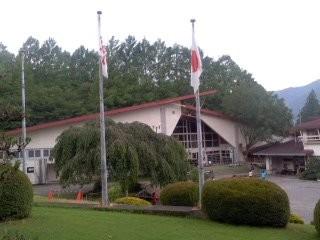 国旗・県旗(7月13日、愛川ふれあいの村)