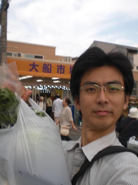 大船市場にて(10月11日、角田晶生)