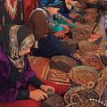 Photos: アルガンの実を潰す女性たち
