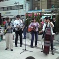 Photos: 高円寺駅前なう。ライブ!