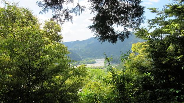犬居城(浜松市天竜区)主郭より南南西