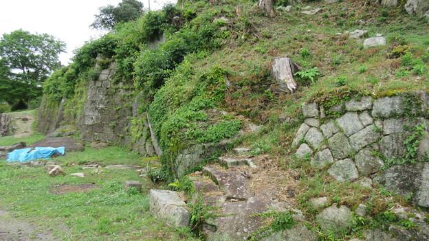 苗木城(中津川市苗木)左先、台所門