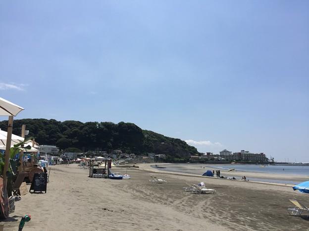 材木座海岸より逗子マリーナ(鎌倉市)
