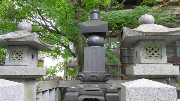 如意寺(みなかみ町)名胡桃城主歴代供養塔