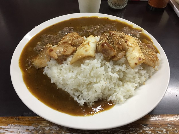 牛すじカレー 小さなカレー家(新宿区百人町)