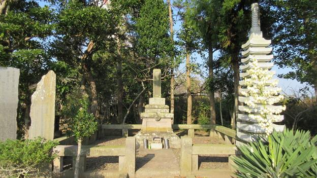 木曽義昌公史跡公園(旭市)水葬跡石塔