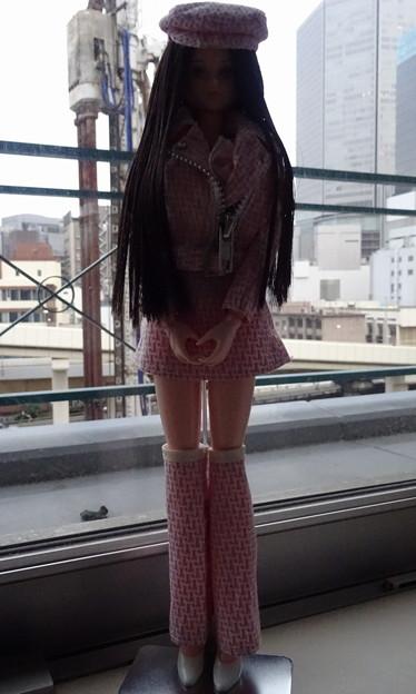 ジェニーJ5用ファッションウェアを着て大阪にやってきたREINA