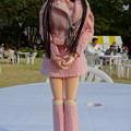 第21回鉄道フェスティバルに来場したJ5用ファッションウェア姿のREINA