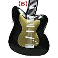 写真: ギター型のショルダーバッグ2