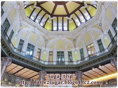 東京駅と皇居2