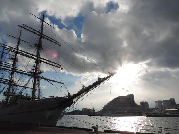 Photos: 帆船のそばで
