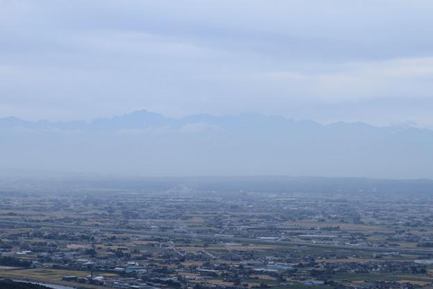 剱岳(立山連峰)と散居村