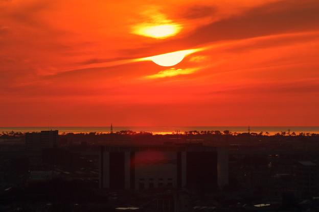 日本海と夕陽