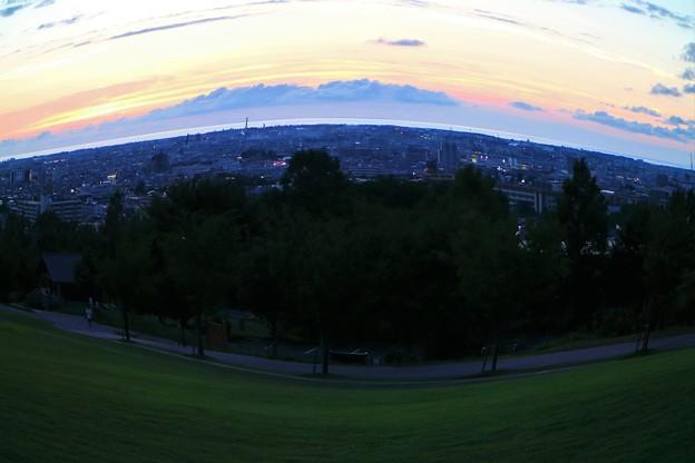 大乗寺丘陵公園から 夕暮れの日本海を望む