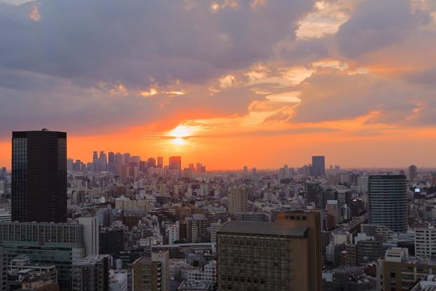 夕陽 文京区役所から(2)