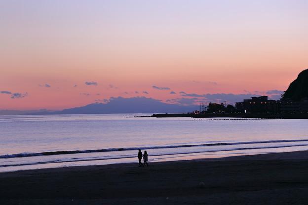 由比ヶ浜の夕暮れ(1)