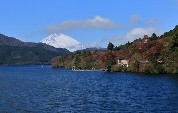 Photos: 芦ノ湖 富士山と紅葉