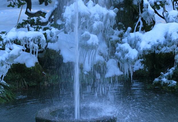 兼六園 噴水とツララ