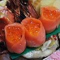 Photos: 黄身寿司のスモークサーモン巻 いくら添え