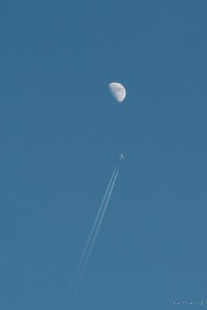 月に向かう-2045