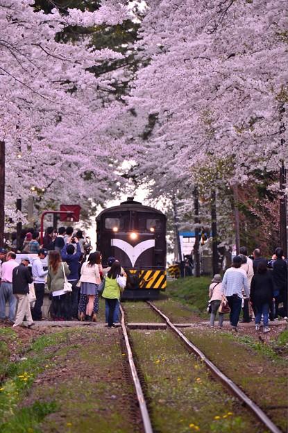 この日最後のストーブ列車到着・・20140501