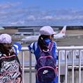 Photos: 遠足で来ていた地元の子供たちデッキでお見送り・・三沢空港 20140502
