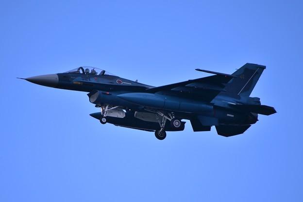 ランディングへ三沢基地 第8飛行隊F-2・・20140502