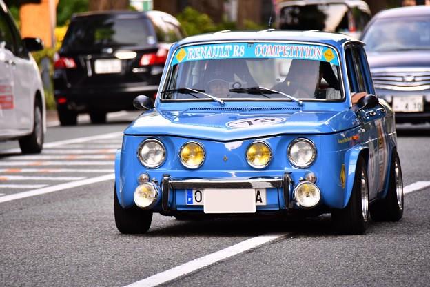RALLY YOKOHAMA 名車 ルノーR8  in山下公園